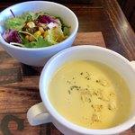 ステーキハウスTEXAS - 冷製スープとサラダ