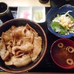 ぶたや 一歩一歩 - 豚丼やさいセット¥1000-