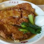 鎌倉赤坂飯店 - メニュー7番   骨付き豚肉入りそば    1,250円