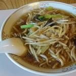 鎌倉赤坂飯店 - メニュー6番   豚肉細切り入りそば   1,000円