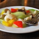 中国家常菜 燕郷房 - イカとセロリの炒め物