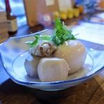 灯 - 鶏手羽とたまごの煮物
