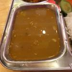 カトマンズキッチン - 豆カレーのアップ。スープ状のカレーです。