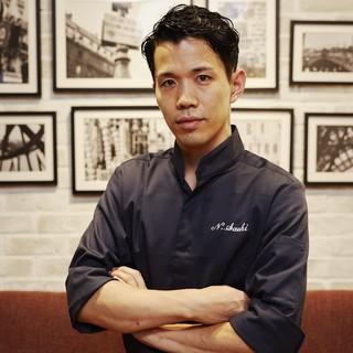 リッツカールトン大阪の1つ星フレンチレストランで10年間勤務
