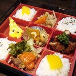 カフェダイニング ガゼボ - 平日お昼はお得 500円でお弁当おかずは日替わり