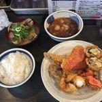 89580167 - 単品オーダーの天ぷら+あさりの味噌汁+ご飯(小)