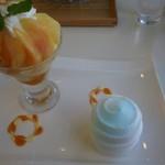 マールブランシュ - 桃のパフェと「しずく」