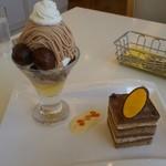 マールブランシュ - モンブランパフェとチョコレートケーキ