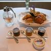THE HIRAMATSU HOTELS&RESORTS - 料理写真:朝食:パン2人分