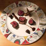 ジビエ&ワイン ブラッスリー山梨 - 早川町産ランプ肉のポワレ