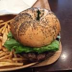 クアアイナ - 普通のハンバーガーのパティを1/2Lbに変更