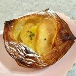 パンやきどころ RIKI - スイートポテトとりんごのデニッシュ ¥250+税