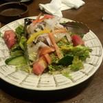 日本酒と個室居酒屋 まぐろ奉行とかに代官 - サラダ