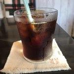 cafe ふたりのねこ - アイスコーヒー。 税抜480円。 美味し。