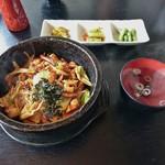 明洞 - 料理写真:海鮮石焼ビビンバ 900円