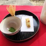 高山竹林園 - 料理写真:抹茶と和菓子のセットは現在500円