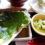 レストラン 大王 - わさびの葉の天ぷらとほろっこ漬け