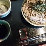 十割そば ひまわりの種 - 『小ざる』  お子さま用にスプーンとフォークも。お皿もプラスチックとかではなく、素敵な器で。