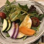 ベジ&フィッシュ - 有機野菜の彩りサラダ