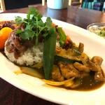 中華料理 八戒 - 合がけカリィ                             角切りポークとたっぷり野菜カリィ