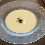 89611719 - ビシソワーズ                    夏は冷製スープが美味しい‼️