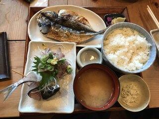 囲炉茶屋 - 鯵干物たたき定食