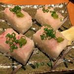 北陸集らく - 〆の押し寿司です。