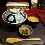 まごの邸 - 朝〆穴子丼全景