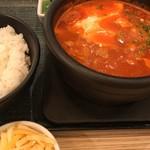 東京純豆腐 - 別料金でトッピング30種類も…。