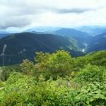 剣山頂上ヒュッテ - ヒュッテからの眺め