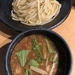 つけ麺 雀 - 豚骨と魚介系のブレンドつけダレ