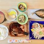 サンチョク鮮魚荒木 - 料理写真:刺身定食800円