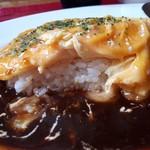 山形ステーキ&カフェレストラン 飛行船 - とろとろオムライス&山形牛ビーフシチューソース(1400円) アップ②