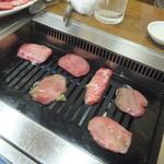 松竹園 - 肉を焼きます(2018.6.17)