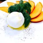 PST - 『イタリア産フレッシュブッラータとフルーツ盛り合わせ』