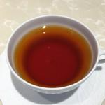 パティスリー エス サロン - 紅茶はウヴァで