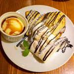 89651608 - シフォンケーキ・チョコバナナ(¥700)。添えられたアイスクリームは溶けにくく、別容器なのでシフォンがベタベタにならない