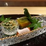 89652610 - 水菜の胡麻和え、スモークサーモン長芋巻き、上賀茂トマト、南京含め煮、山科唐辛子焼き浸し、茄子の田舎煮