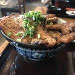 野さか - 豚みそ丼 ねぎだく 大盛 ¥1,300  UP3 横から。