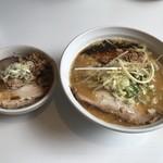 はりけんラーメン - 料理写真:限定  濃厚みそラーメン ¥900  大盛 ¥100  平日限定チャーシュー丼 ¥250