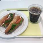 オー・ボン・サンドイッチ ビゴ - 生ハムとカマンベールのカスクート1