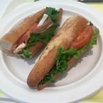オー・ボン・サンドイッチ ビゴ - 生ハムとカマンベールのカスクート2