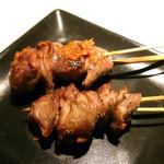 焼き鳥 まんげつ - 砂肝1本230円
