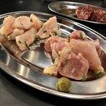 焼肉ぜっと KITAMACHI - 鶏もも、なんこつ