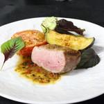 ル ベナトン - 料理写真:鴨胸肉のロースト ソースピカント