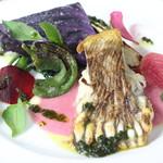 ル ベナトン - エイのポワレ赤玉葱のソース