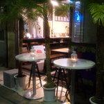 サルブ - ヤシの木の下で生ビール