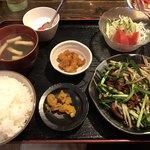 煌苑 - 料理写真:レバニラ定食=820円