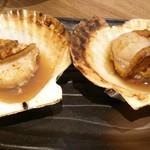 サカナズキ。 - 料理写真:ホタテ貝の醤油焼き、今日は、鍋の変わりにこれを注文!