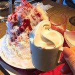 Rue Favart - イチゴミルクにソフトクリームを追加!